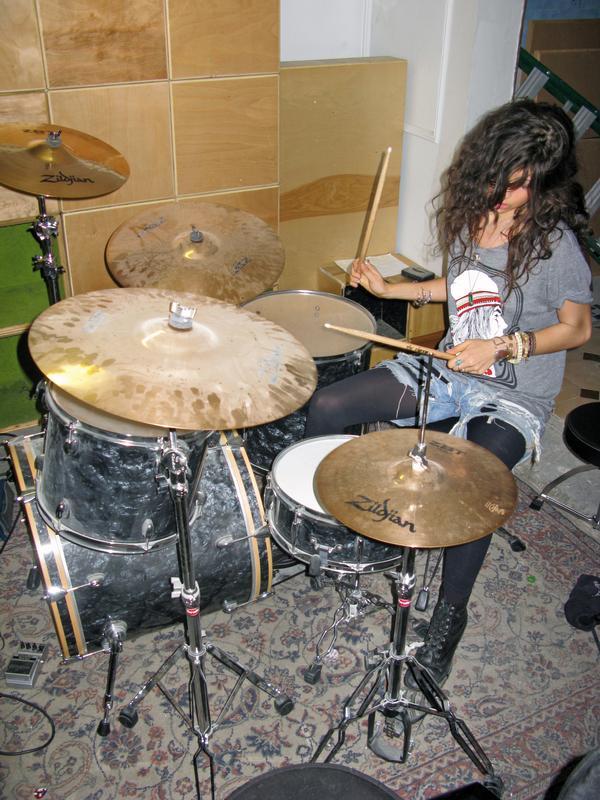 PamelaLove_drummer_brooklyndrummer_scorpiorising_tomtommagazine